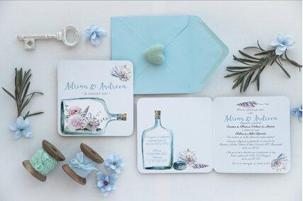 invitatie cu tema marina cu scoici si flori