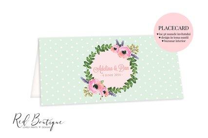 placecard cu flori si coronita de verdeata