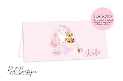 plic pentru bani cu ursulet pe fotoliu roz si tort cu nume invitat