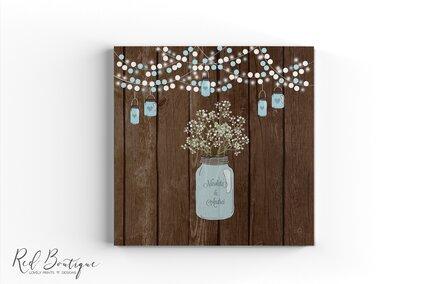 guestbook vintage rustic cu coperta personalizata cu textura de lemn si borcan cu flori si numele mirilor