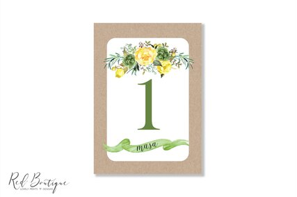 numere pentru mesele de nunta cu flori galbene si carton kraft vintage