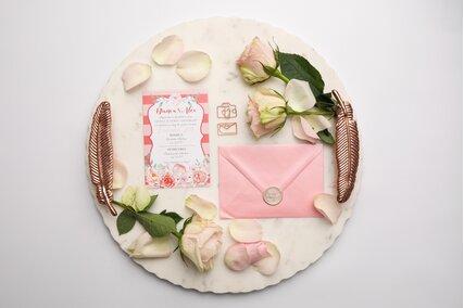 invitatie de nunta cu flori si dungi