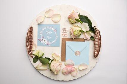invitatie bleu cu anemone