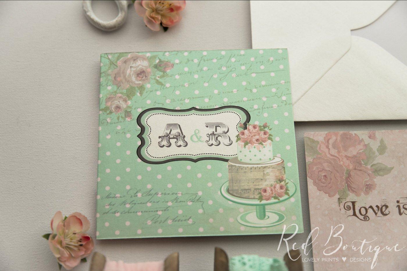 invitatie verde cu roz cu buline si tort