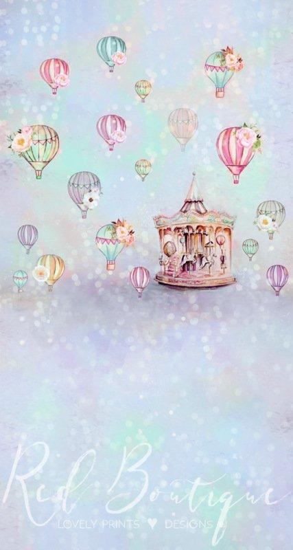 fundal foto cu carusel si baloane pentru baieti